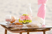 Wedding on beach, tropical outdoor wedding set up decoration — Foto de Stock