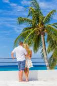 Young loving couple on tropical island, outdoor wedding ceremony — Stock Photo