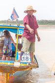 Kampong, Siem Reap, Cambodia February, 27 2015: Undefined boatma — Stock Photo