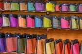 Traditional straw bags in souvenir shop — Stock Photo