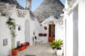 Trulli houses in Alberobello, Apulia, Italy — Stock Photo