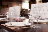 Place setting in a restaurant — Stock Photo