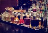 Amers et infusions sur comptoir, tonique — Photo