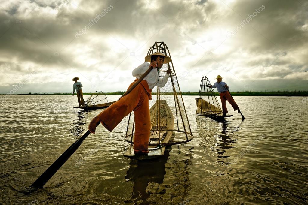 Myanmar, Inle Lake: Stupas Stock Photography - Image: 4951282