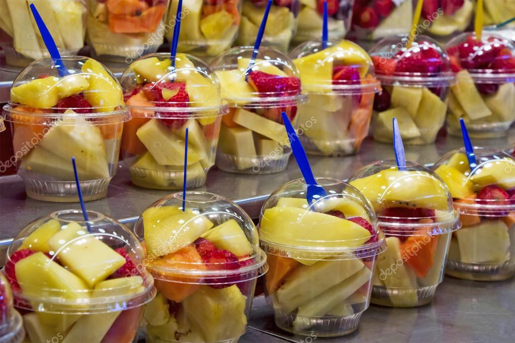 C ctel de frutas frescas foto de stock 115594776 for Vasos de coctel