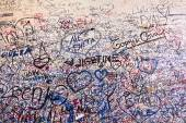 Messages on the wall in Juliet's House — Stock Photo
