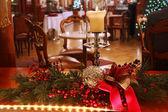 Decoração de natal com vela a arder — Foto Stock