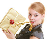 Holidays love happiness concept - girl with gift box — 图库照片