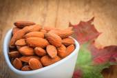 Almonds in bowl — Stock Photo