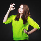 Teen girl showing ok sign — Stock Photo