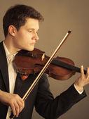 Człowiek skrzypek gry na skrzypcach — Foto Stock