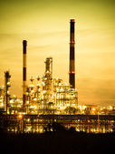 Refinery petrochemical plant — Photo