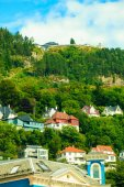 Houses on hills in city — Foto Stock
