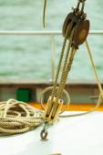 Block with rope on sailing boat — Foto de Stock