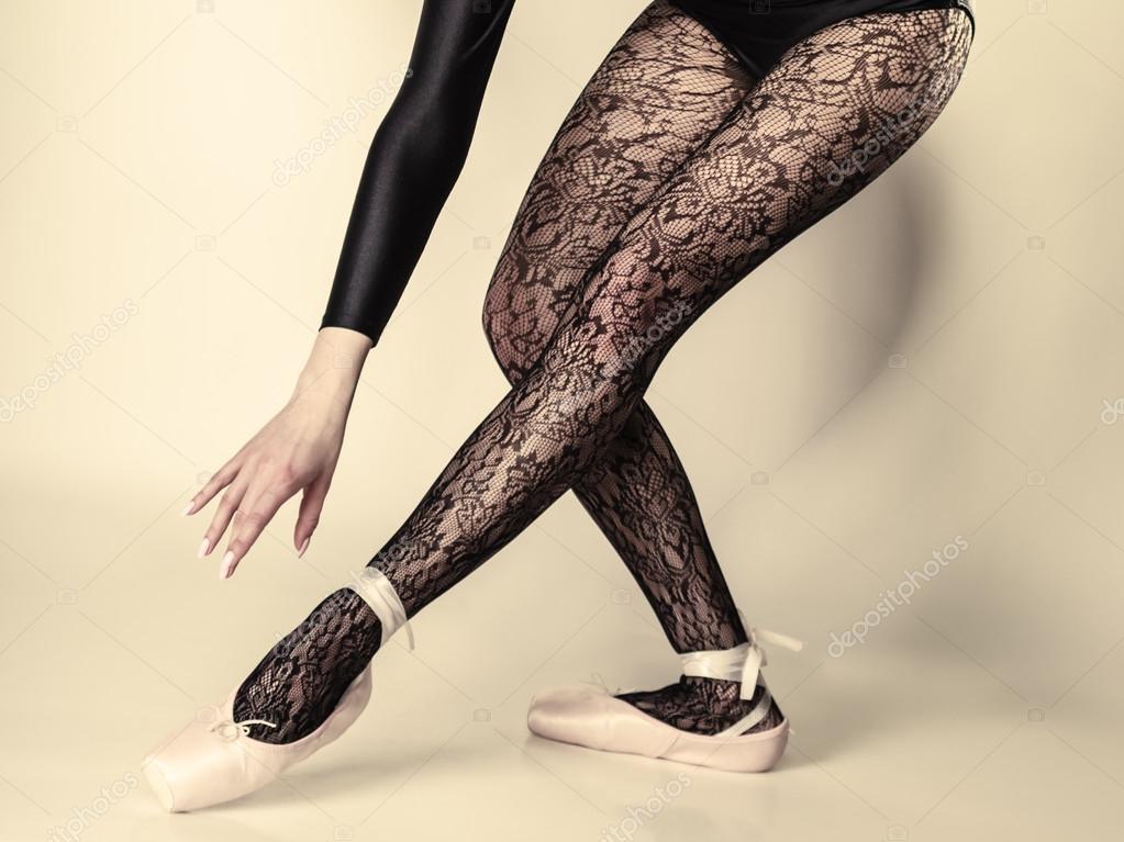 Женские ножки фото в студии фото 113-613
