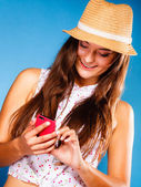 Woman using mobile phone — Foto de Stock