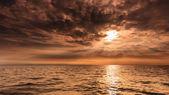 Beautiful seascape evening sea horizon and sky. — Stock Photo