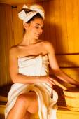 Mujer relajante sauna — Foto de Stock