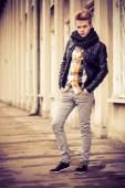 Fashionable man posing — Stock Photo
