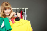 Woman holding discount label. — Stock Photo