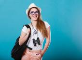 Woman in straw hat  posing — Stock Photo