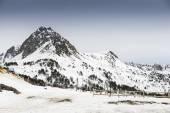 Montanhas nevadas — Fotografia Stock