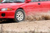 Rallye Auto in Feldweg. — Stockfoto