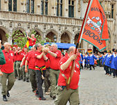 Meyboom ceremony bring the tree on Grand Place in Brussels, Belgium — Stock Photo