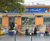 Typical food shop in a popular area near South Railway Station or Gare du Midi in Brussels — Stock Photo