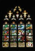 Stained glass window in Collegiate Church Saint-Martin in Alost, Belgium — Stock Photo
