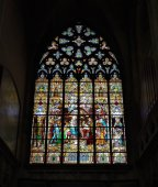 Stained glass window in interior of St. Rumbold's Cathedral.Mechelen, Belgium — Stock Photo