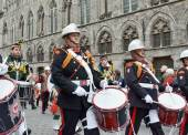 Poppy Parade commemorating 100 years of World War I depart from Grand Place to Porte de Menin or Gates of Menin — Stock Photo