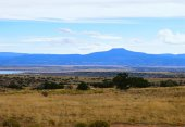 High Desert Land and Abiqui Lake - North Central New Mexico — Stock Photo