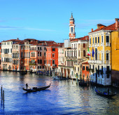 View of Canal Grande in Venice, Italy as seen from Rialto bridg — Stock Photo