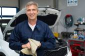 Smiling Auto Mechanic — Stockfoto