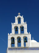 Bell church of Orthodox Church in Oia, Santorini, Greece — Stock Photo