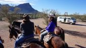 Visitors ride on the hourse back at Arizona — Stock Photo