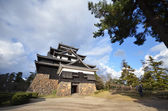 Tourist visits Matsue castle in Matsue — Stock Photo