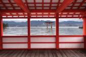 Great floating gate of Itsukushima Shrine — Stockfoto