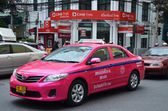 Colorful Bangkok taxi on the street — Stock Photo