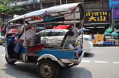 Tuk-tuk moto taxi on the street — Stock fotografie