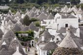 Alberobello - puglia, italy — Stock Photo