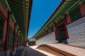 Klassieke houten gebouw in Koreaanse stijl — Stockfoto