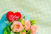 Red heart and roses — Stock Photo