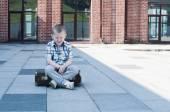 哭泣的小男孩 — 图库照片