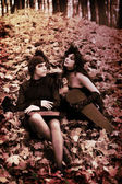 Mademoiselle in Bois de Boulogne Paris, Violinist girl in little black dress, Violinists — Stock Photo