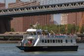 NY Waterway's East River Ferry — Stock Photo
