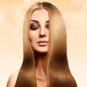 Beautiful blonde with perfect healthy long hair with professiona — Stock Photo