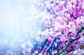Nice sensual photo of cutie blonde woman in spring with flowers — Stock Photo