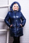 Blond woman in winter coat — Stock Photo